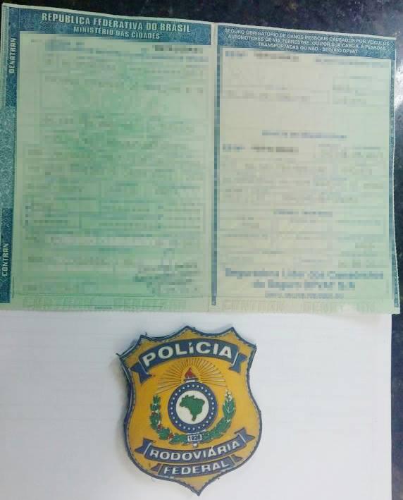 Este documento falso foi apreendido em poder do acusado