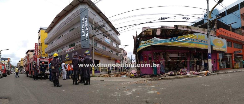 8c59f51c8ed22 ATUALIZADA  Loja de roupas desaba na Avenida do Cinquentenário ...
