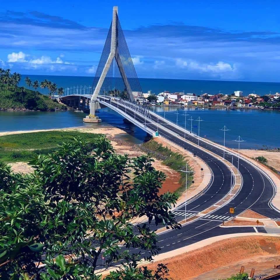 A ponte fica Ilhéus